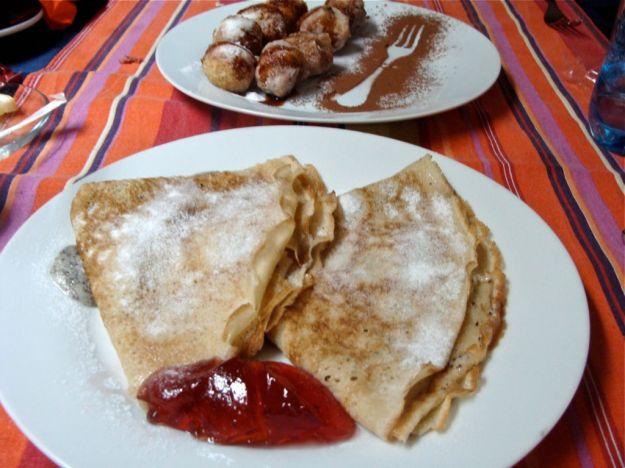 omelette con marmellata di ciliegie