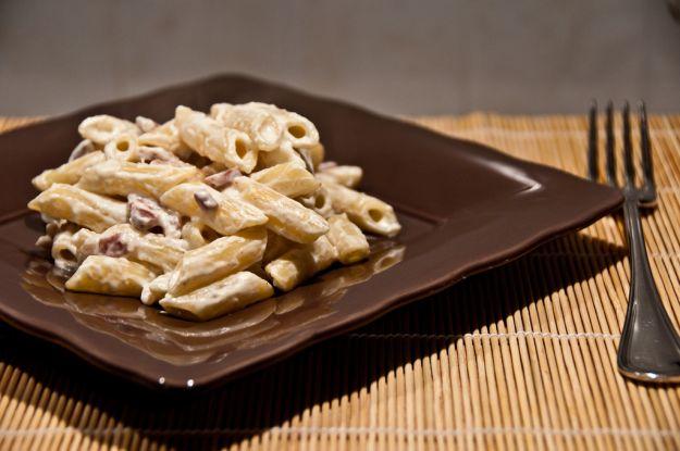 Pasta con pancetta, panna e gorgonzola