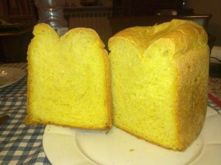 pane allo zafferano da preparare in casa per tanti golosi panini