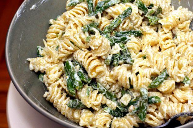pasta con asparagi ricotta e uova