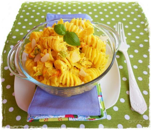 Pasta in salsa di fiori di zucca