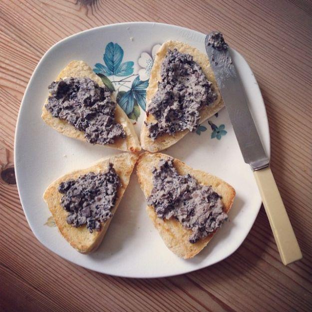 patè di funghi e salsiccia