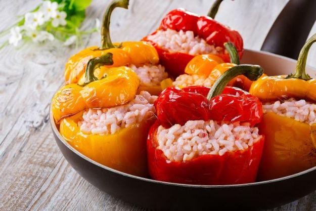Come cucinare i peperoni: in padella, al forno, ripieni e non solo