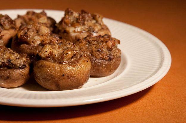 Funghi al forno ripieni di carne