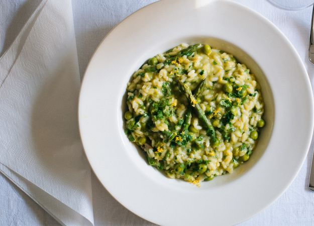 Risotto with asparagus, peas and lemon zest