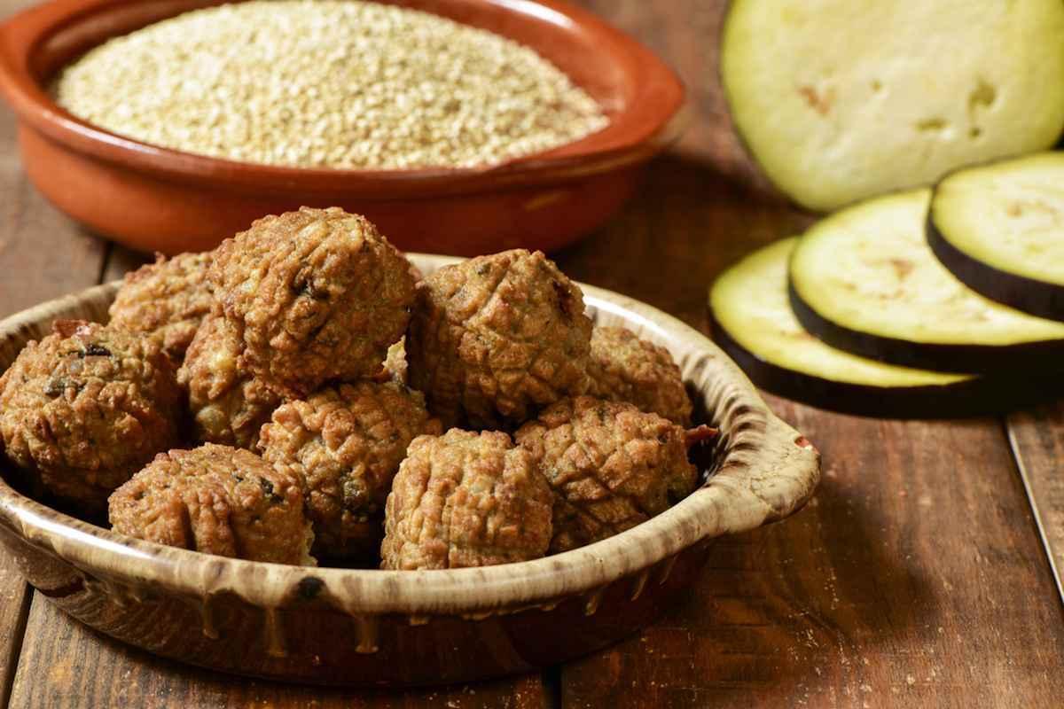 Polpette di melanzane: ricetta tradizionale e le varianti sfiziose