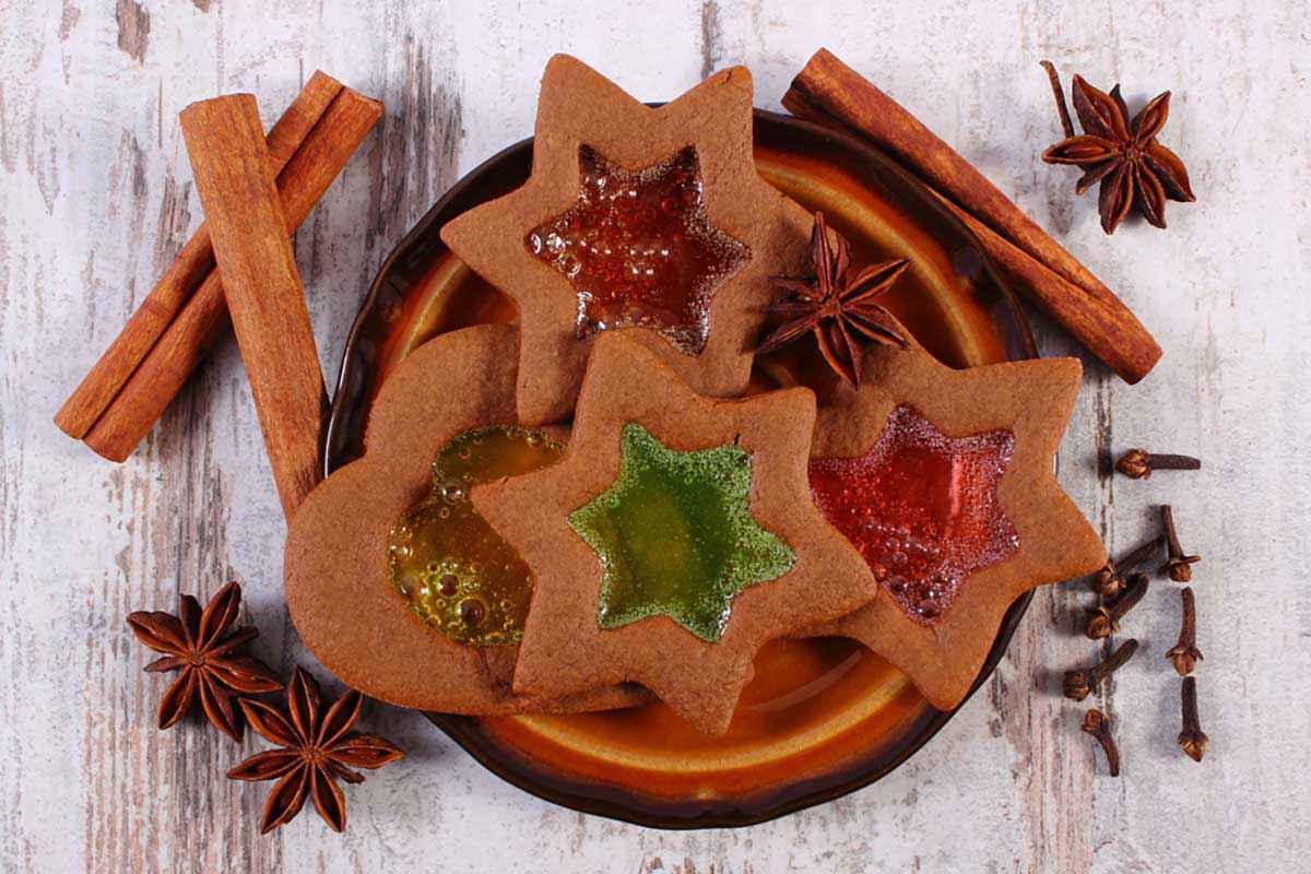 Biscotti vetrata per Natale