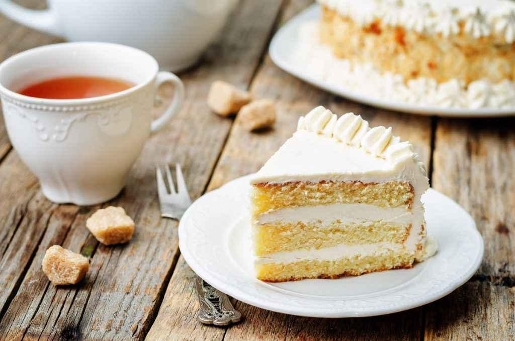 torta paradiso farcita con crema chantilly