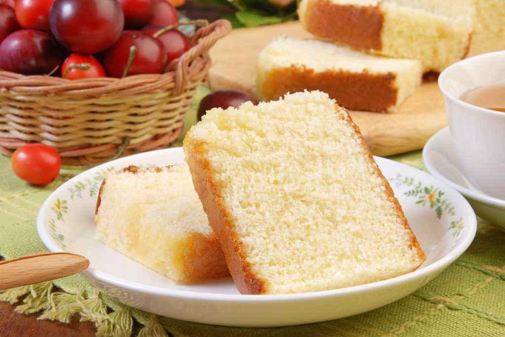 fette di torta soffice semplice da tè