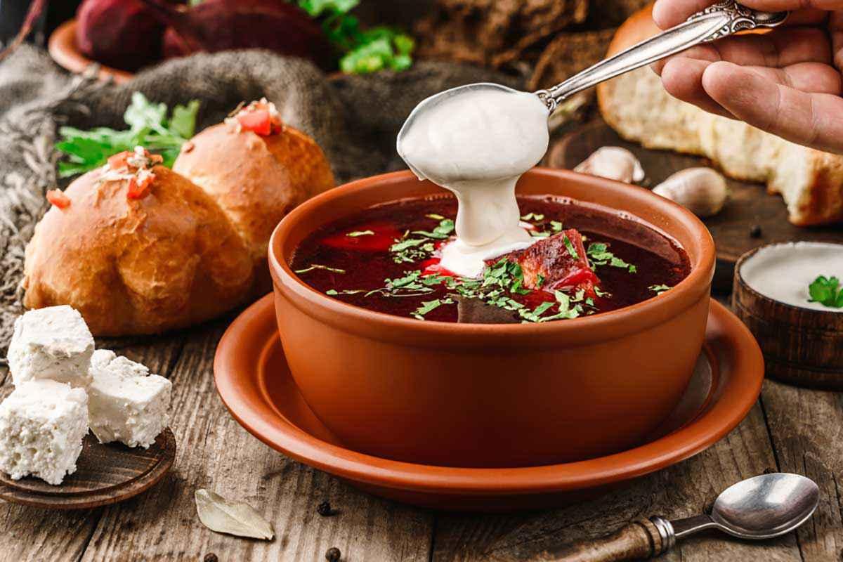 Zuppa barbabietole rosse per Halloween