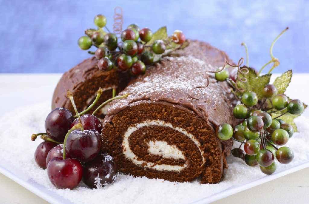 tronchetto di Natale al cioccolato con crema al mascarpone