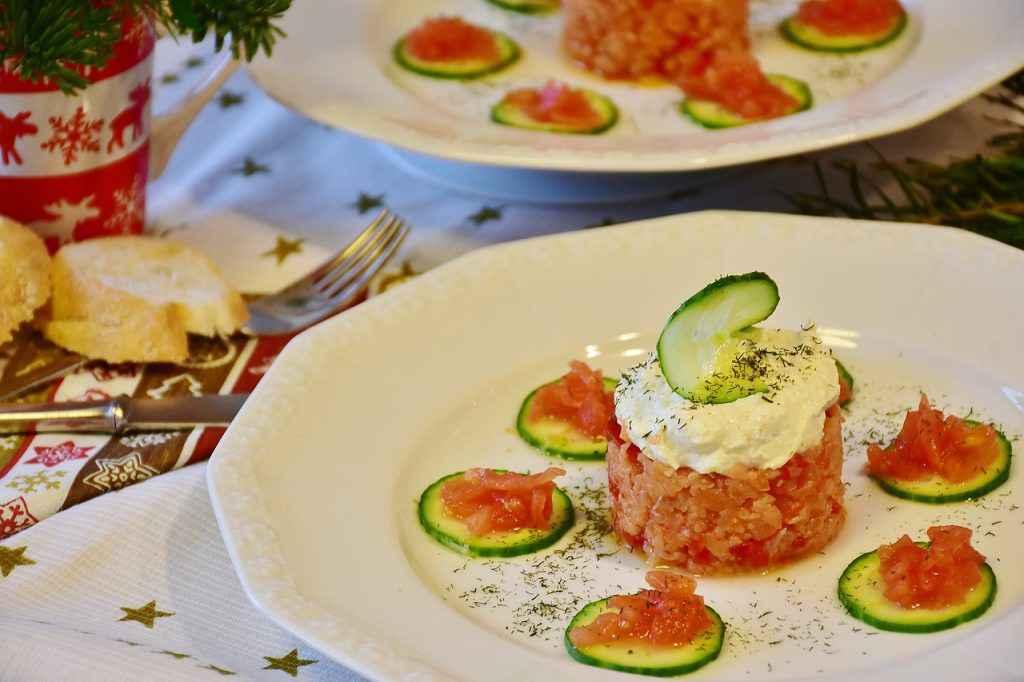 tartare salmone zucchine e philadelphia