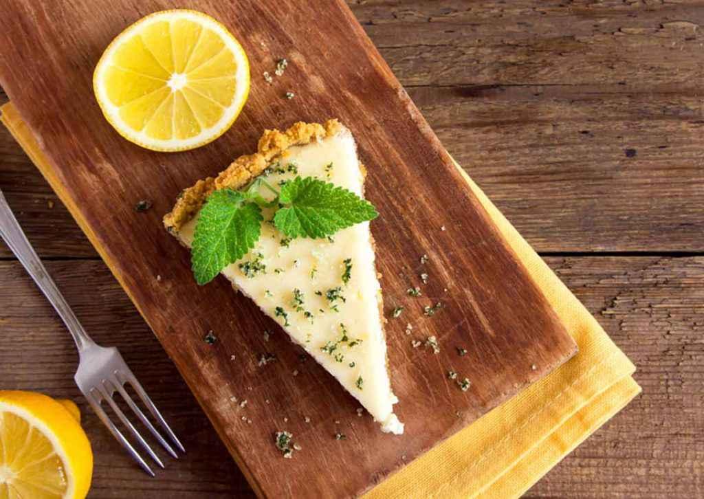 Cheesecake al limone senza cottura da fare con i biscotti