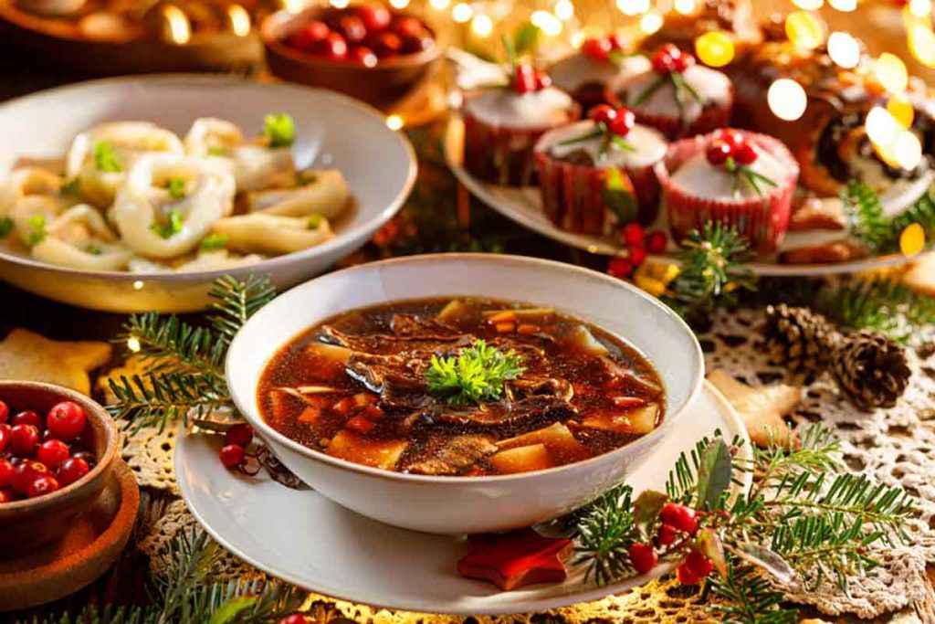 Tavola natalizia con pietanze vegetariane