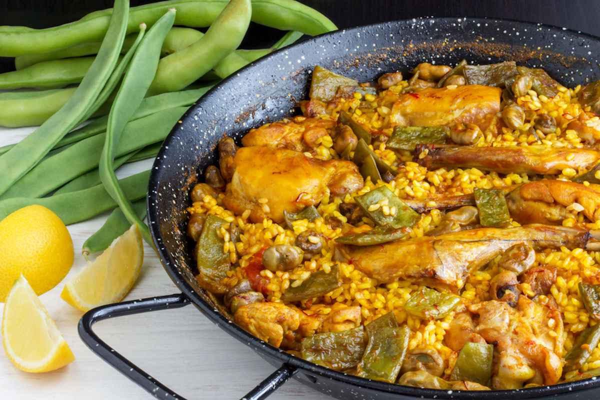 Ricetta della paella di Valencia con pollo e coniglio