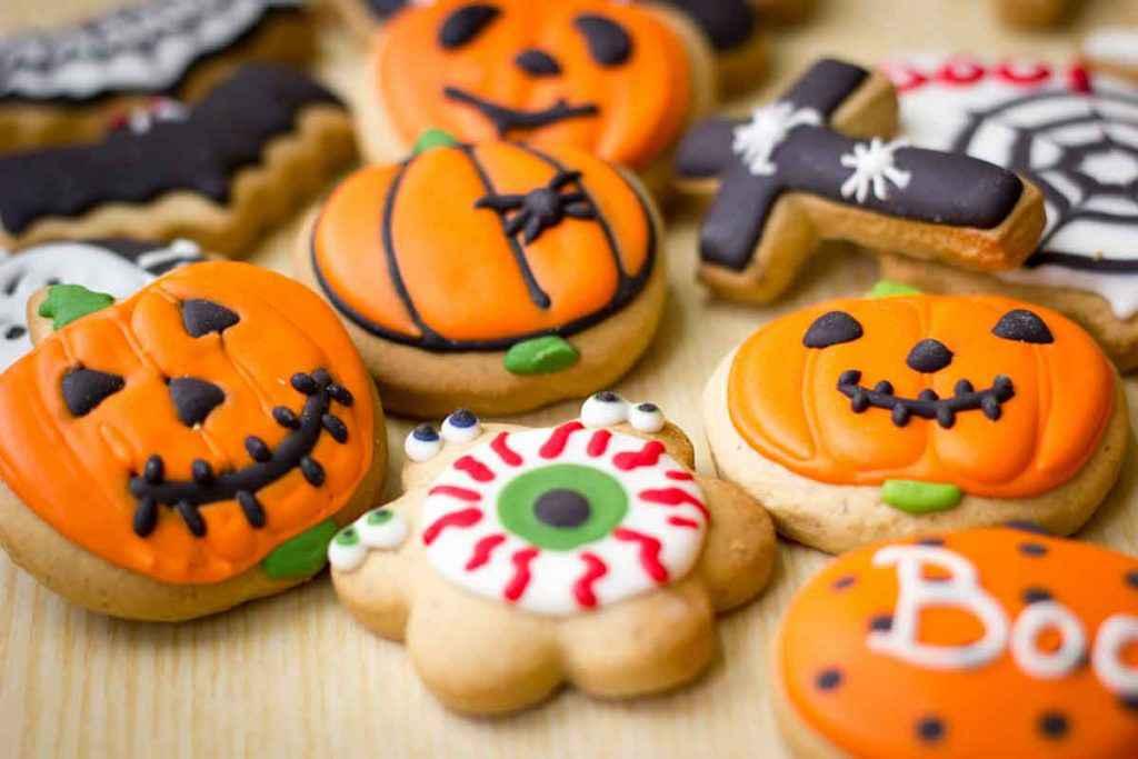 Biscotti di Halloween colorati