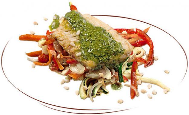 Merluzzo con salsa basilico