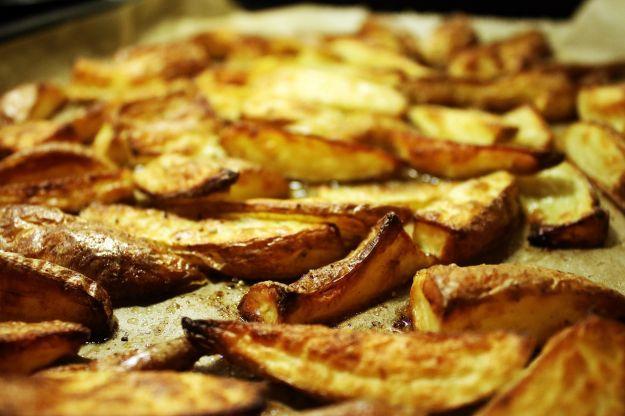 Patate al forno con limone e origano
