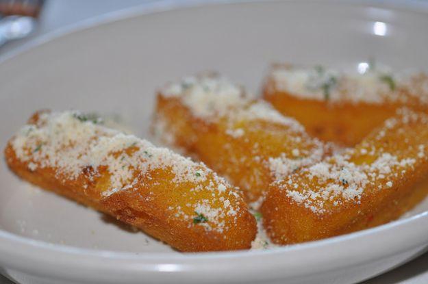 Polenta fritta col formaggio