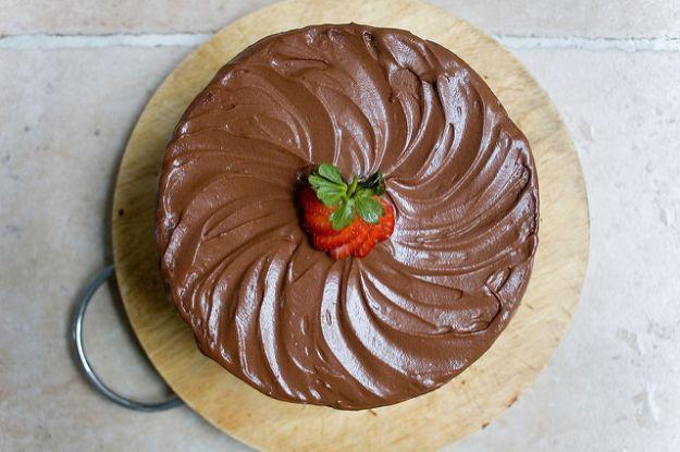 Torta con fragole e nutella
