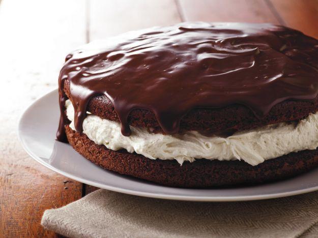 Torta delice al cioccolato farcita con nutella e panna ricetta