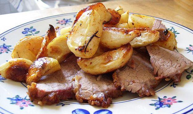Arrosto di vitello al forno con le patate
