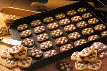 biscotti quadrotti cioccolato