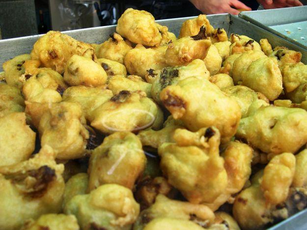 Broccoli con acciuga dorati e fritti