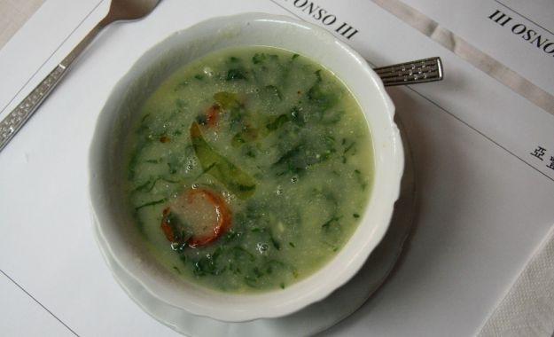 caldo verde (zuppa di cavolo)
