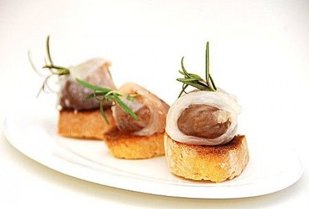 crostini con marroni e lardo