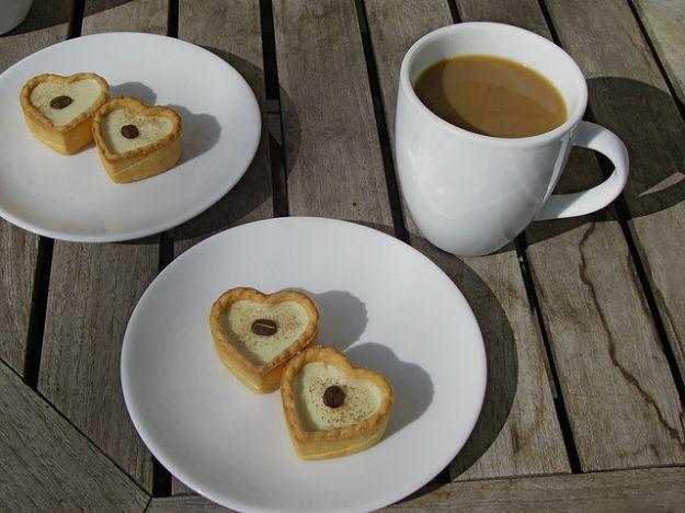 cuori di sfoglia e crema al caffe