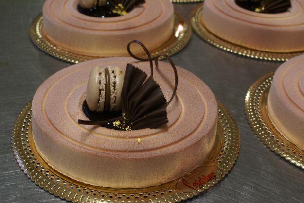 Le decorazioni al cioccolato pi belle per le tue torte buttalapasta - Decorazioni per torte di carnevale ...