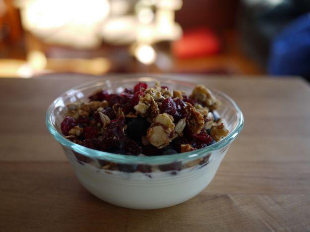 Yogurt, blueberries, and granola
