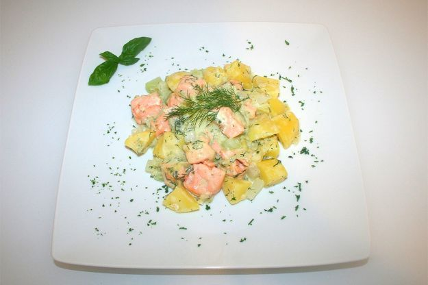 filetto di salmone e patate al forno