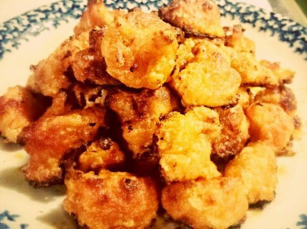 frittelle con cavolfiore, olive e pomodori