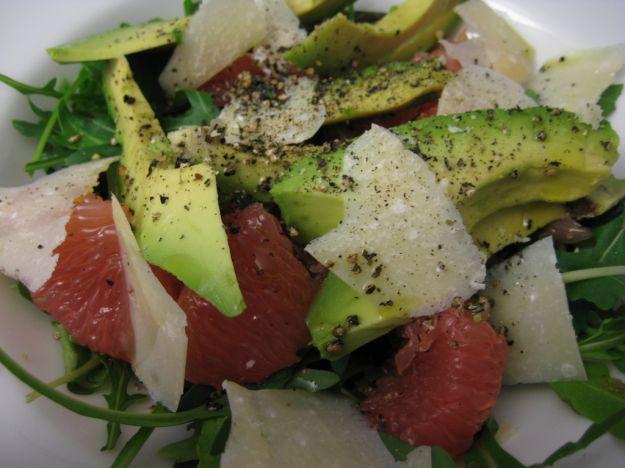 Insalata di avocado, pompelmo rosa e lime
