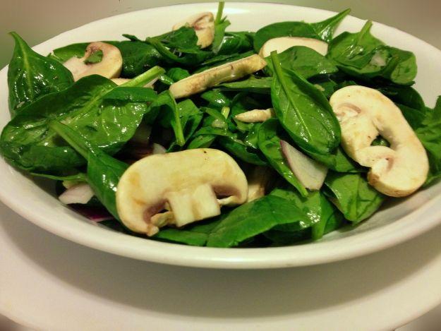 insalata di funghi e spinaci