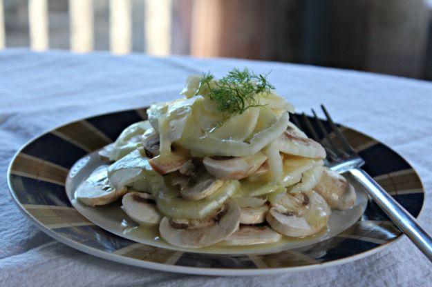 insalata di funghi freschi e finocchi