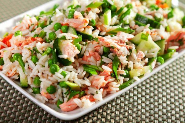 insalata di riso con salmone