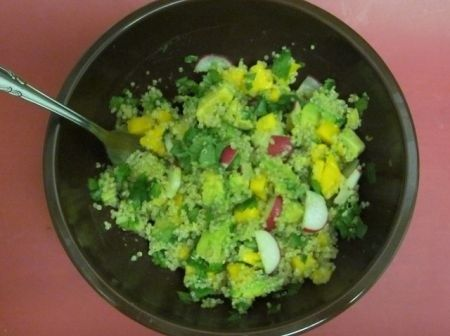 insalata quinoa mango avocado
