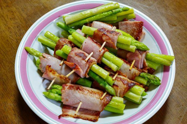 Involtini di prosciutto cotto e asparagi