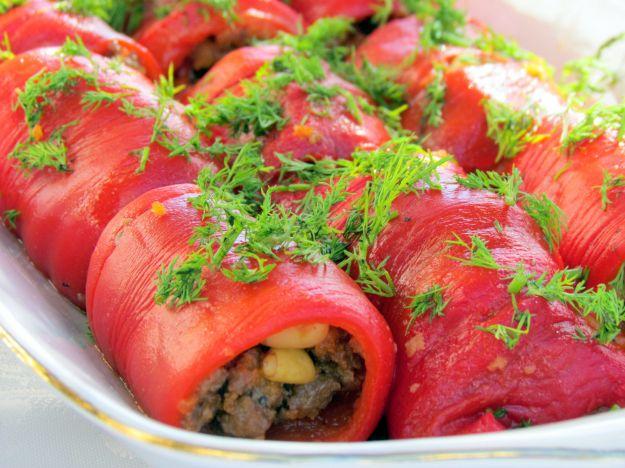 involtini di peperoni con salsiccia