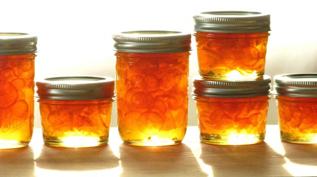 Kumquat o mandarini cinesi canditi