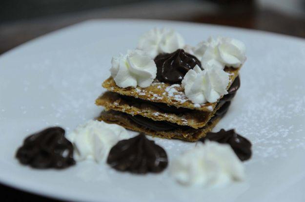 millefoglie al pistacchio con crema al cioccolato