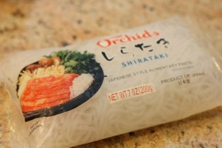 Noodles con pesce spada e mandorle