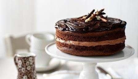 Torta cioccolato per festeggiarecompleanno