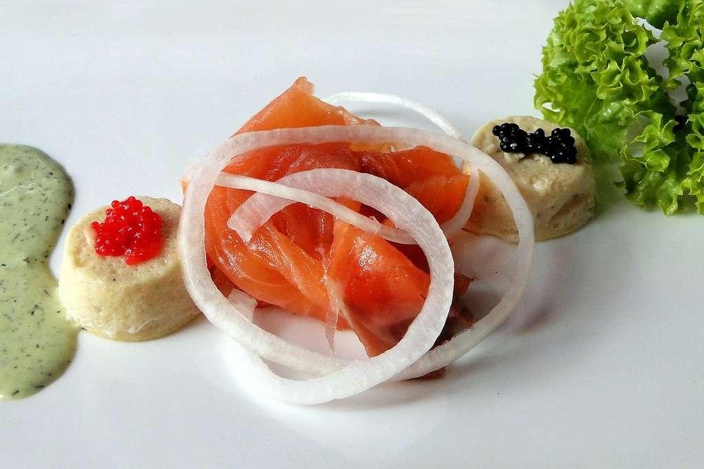 Ricette Vigilia di Natale: salmone affumicato