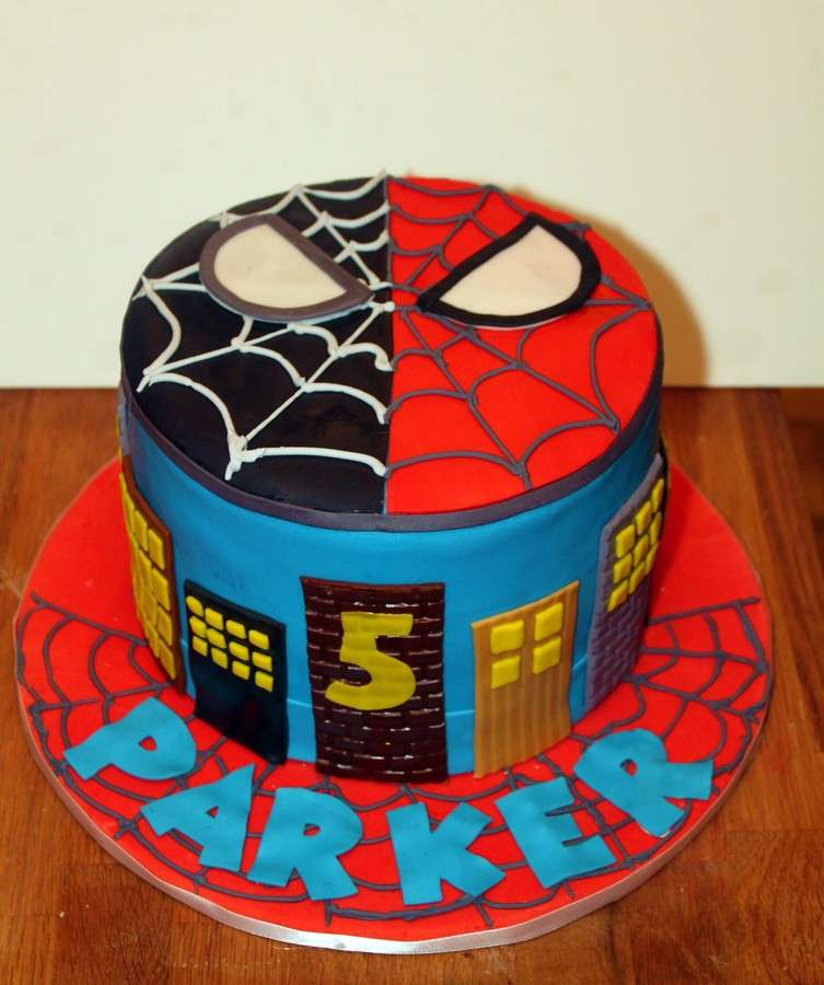 Torta Spiderman cilindrica