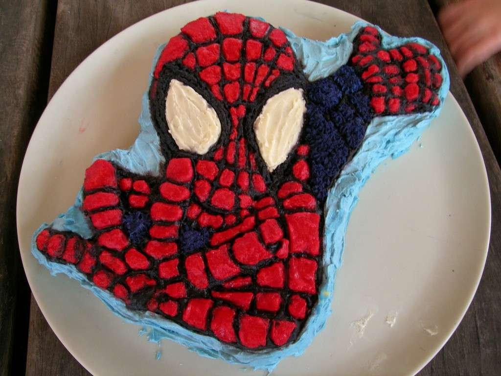 Torta Spiderman con crema di burro