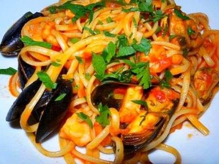 Spaghetti ai frutti di mare o spaghetti allo scoglio